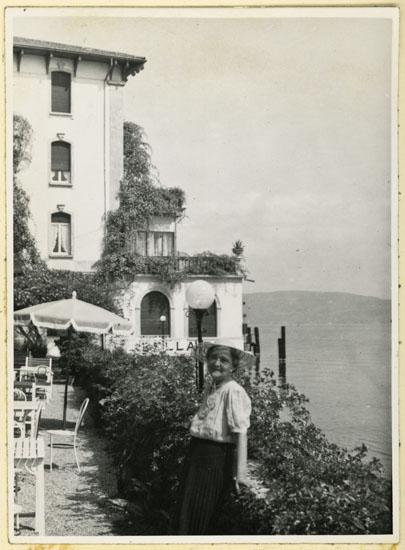 016 Bella Riva morgenmadsterrasse 1955